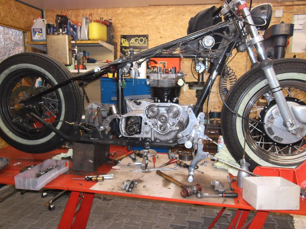 T 140 Motor - Im Rahmen