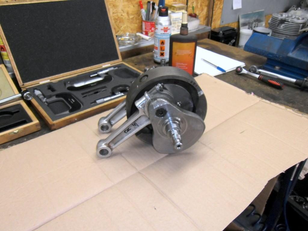 T140 Motor - Kurbelwelle mit Pleueln