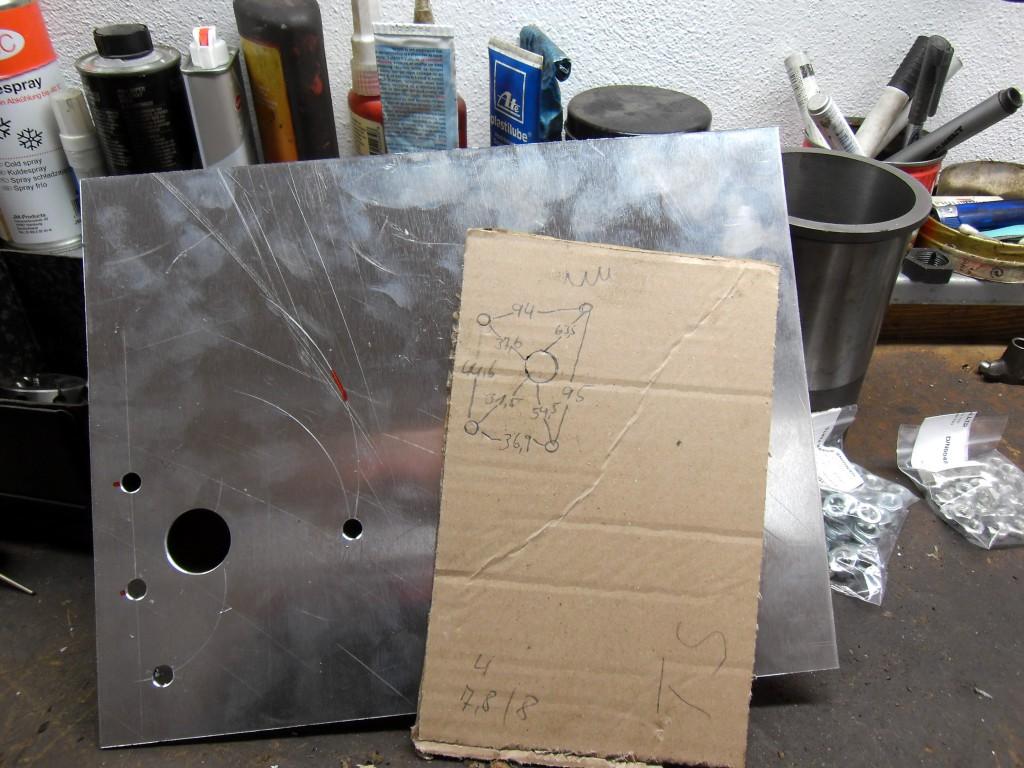 Hintere Motorhalteplatten angefertigt