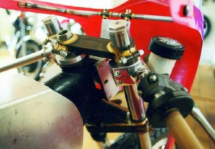 Triumph X30 - 1