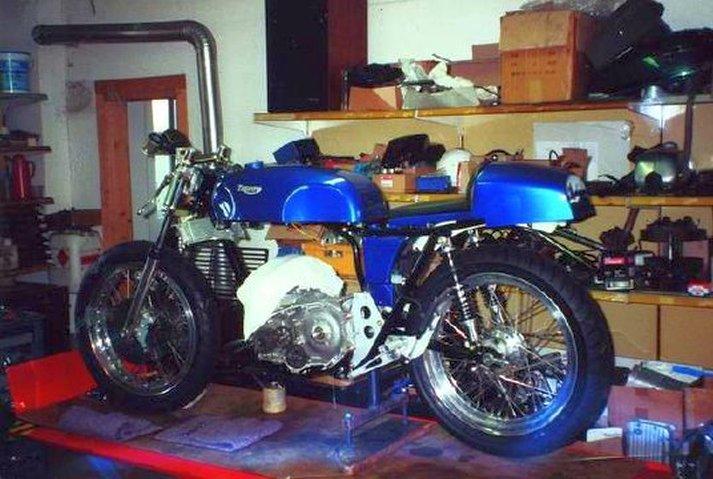 Triumph X30 - 12