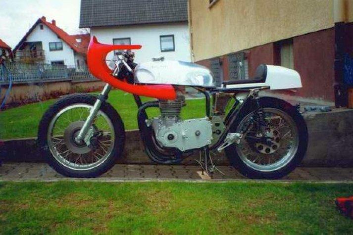 Triumph X30 - 4